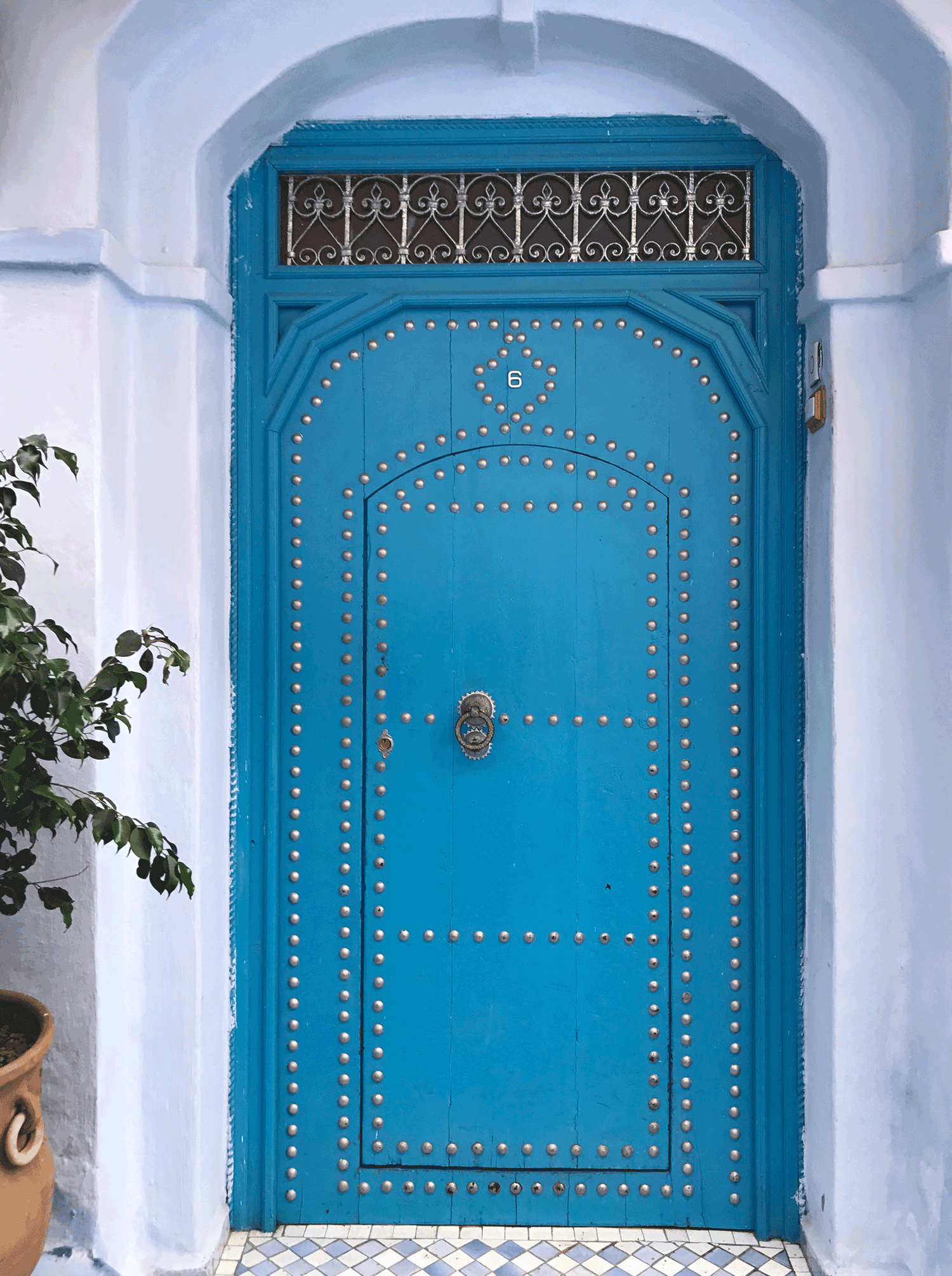 Chefchaouen-Morocco-image-blue-door-home.png