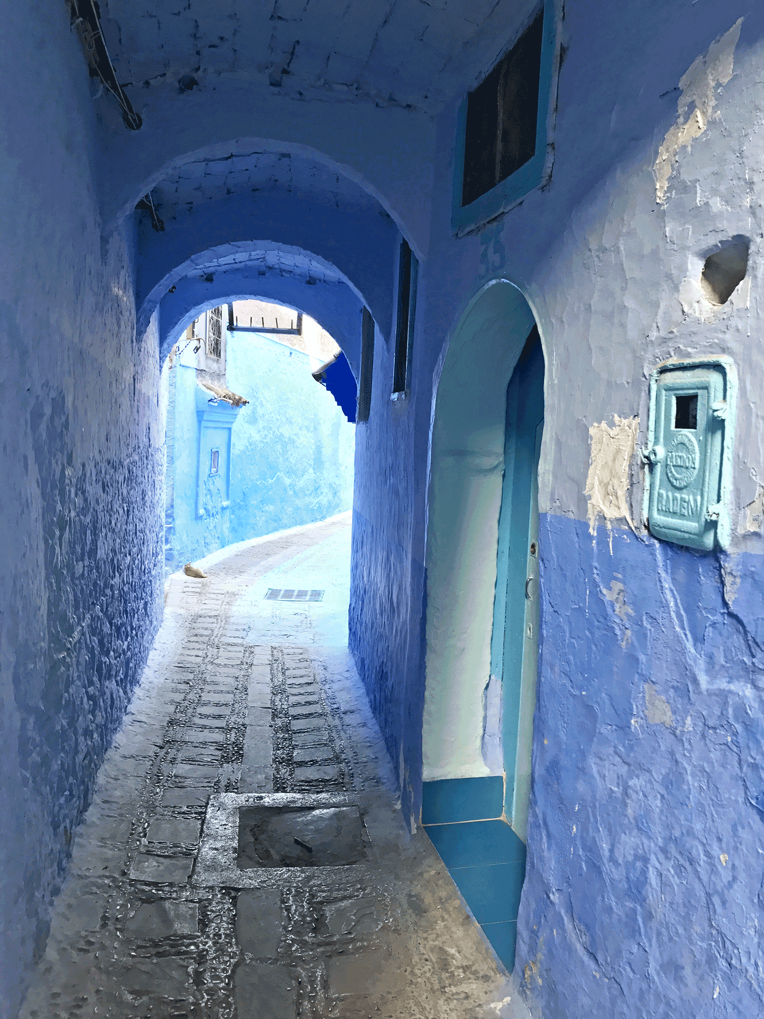 Chefchaouen-Morocco-image-blue-alley2.png