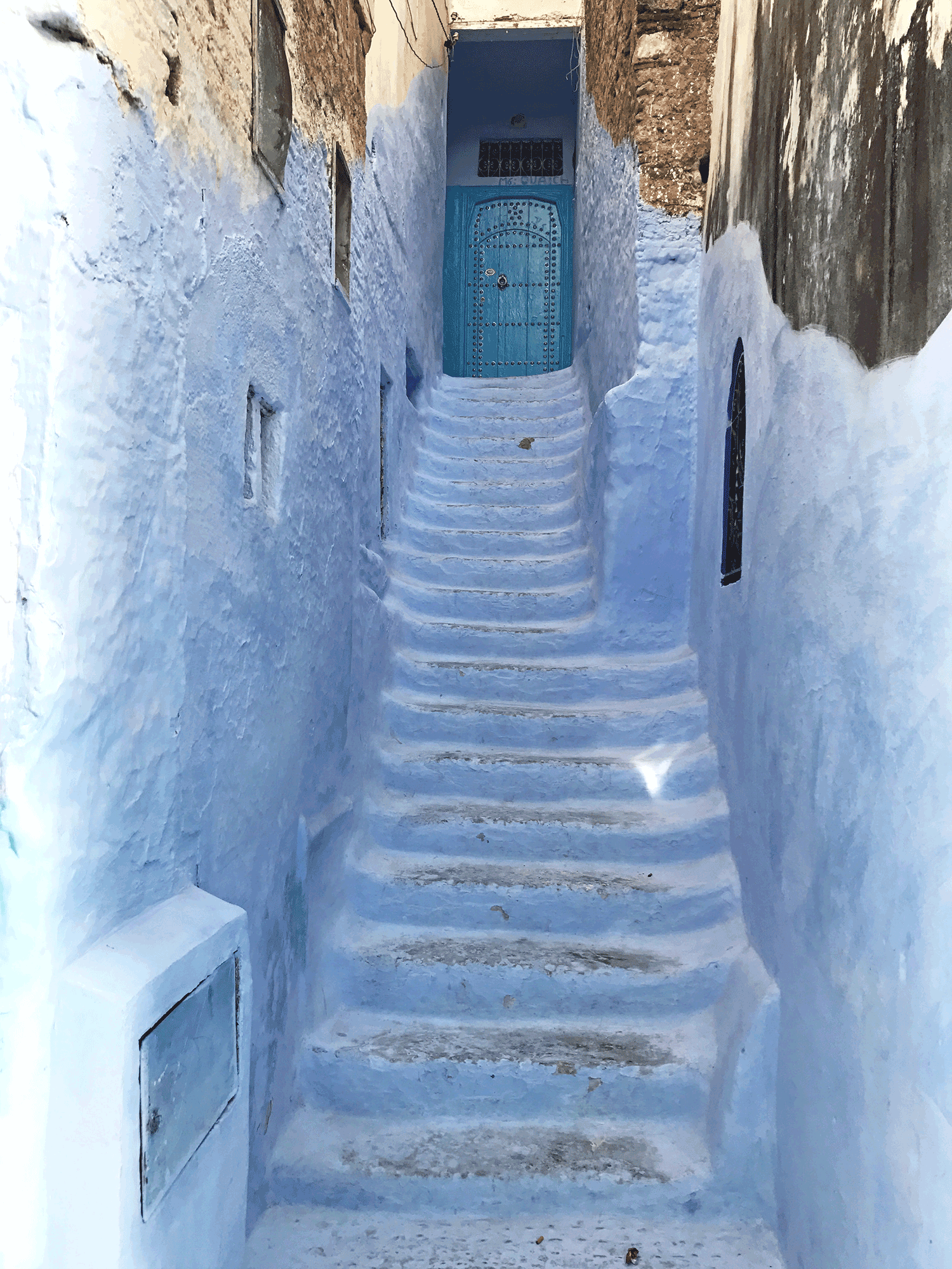 Chefchaouen-Morocco-image-blue-stairs-alley4.png