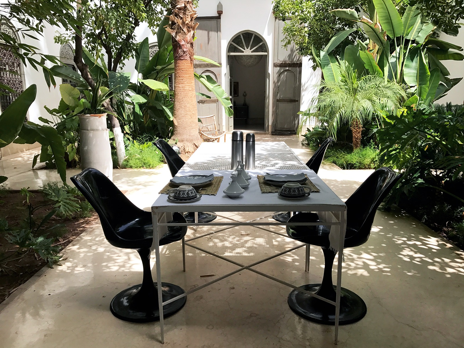 Marrakesh-Riad-Be-Mena-courtyard-breakfast.jpg