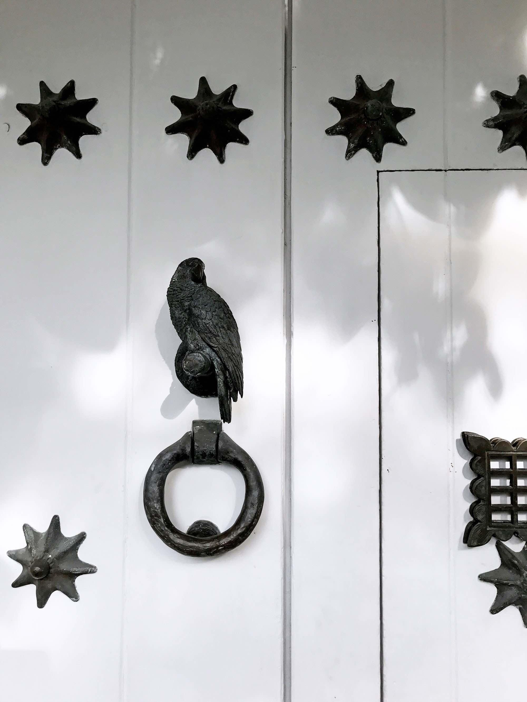 bird door knocker in Cartagena, Colombia  | pictures of Cartagena, Colombia