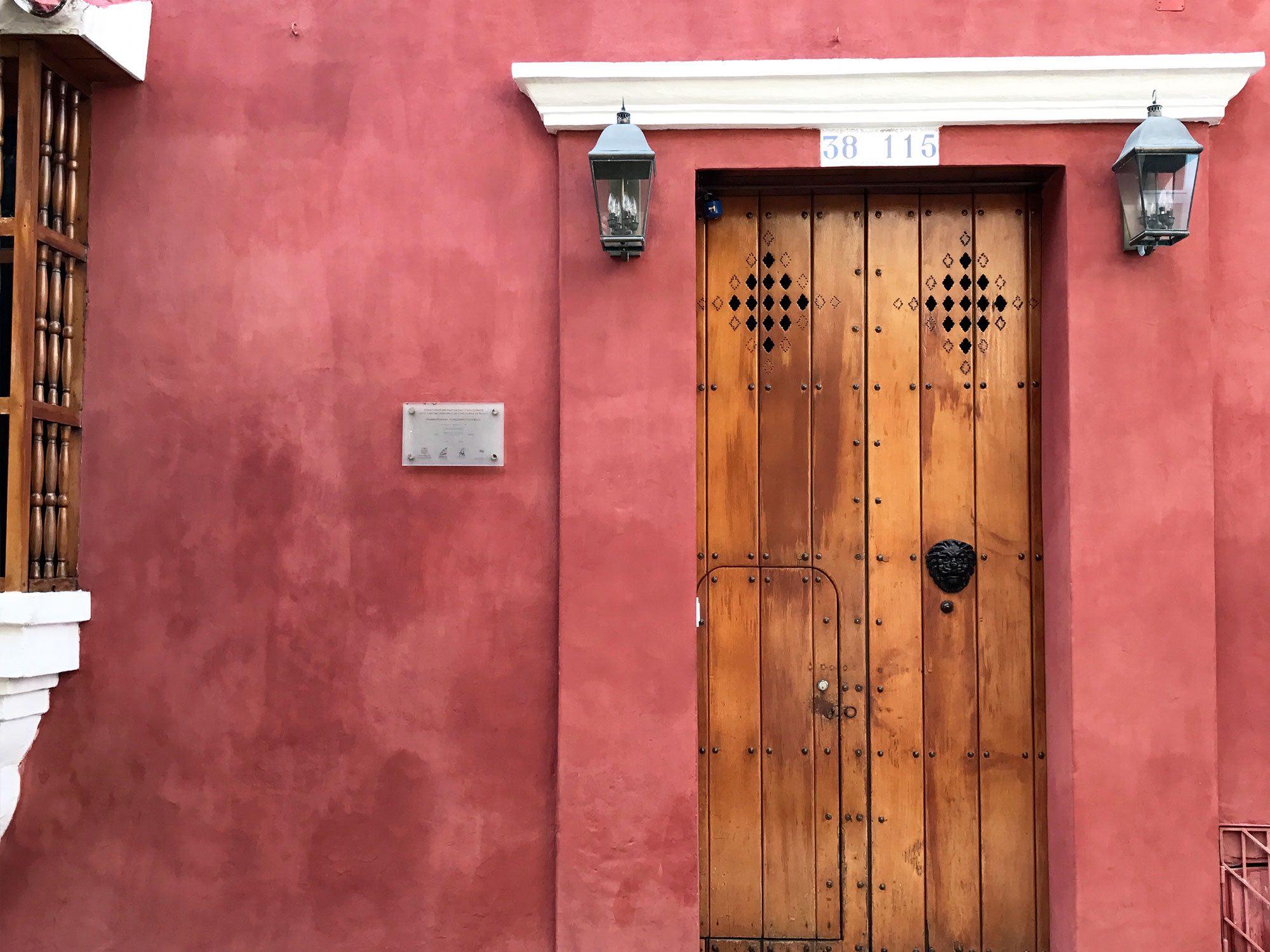 lion door knocker in Cartagena, Colombia  | pictures of Cartagena, Colombia