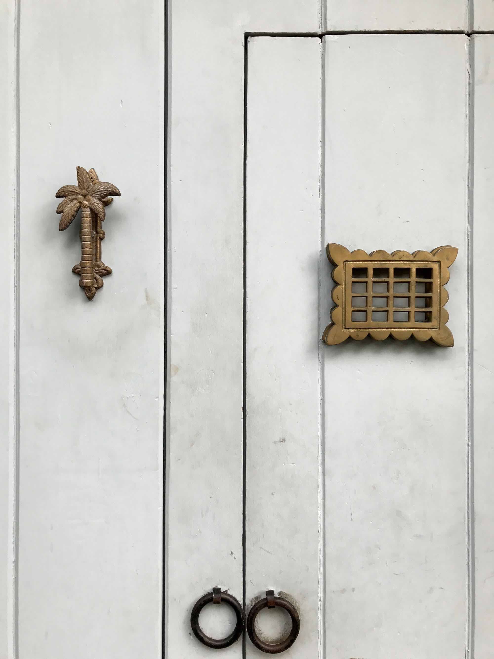 Palm tree door knocker | Doors and Door Knockers of Cartagena, Colombia | pictures of Cartagena, Colombia