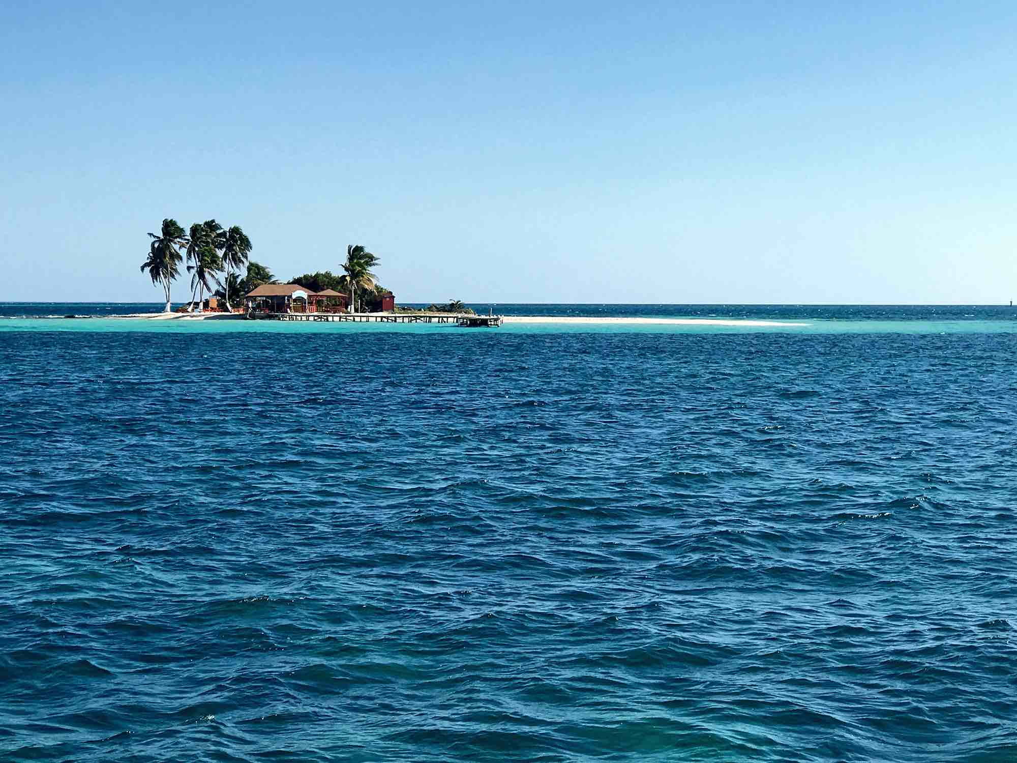 Goff's Caye | Sailing in Belize