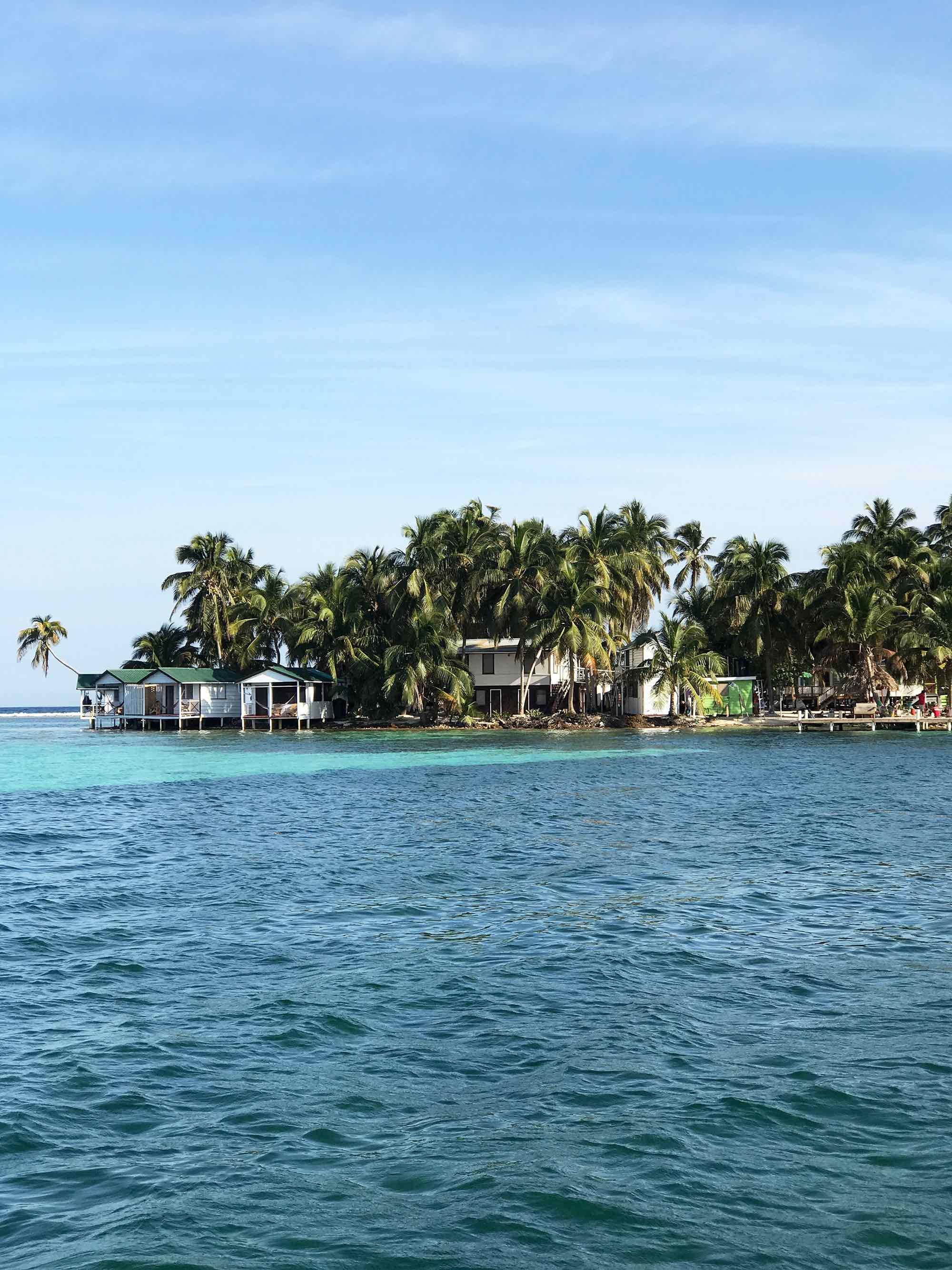 Tobacco Caye | Sailing in Belize