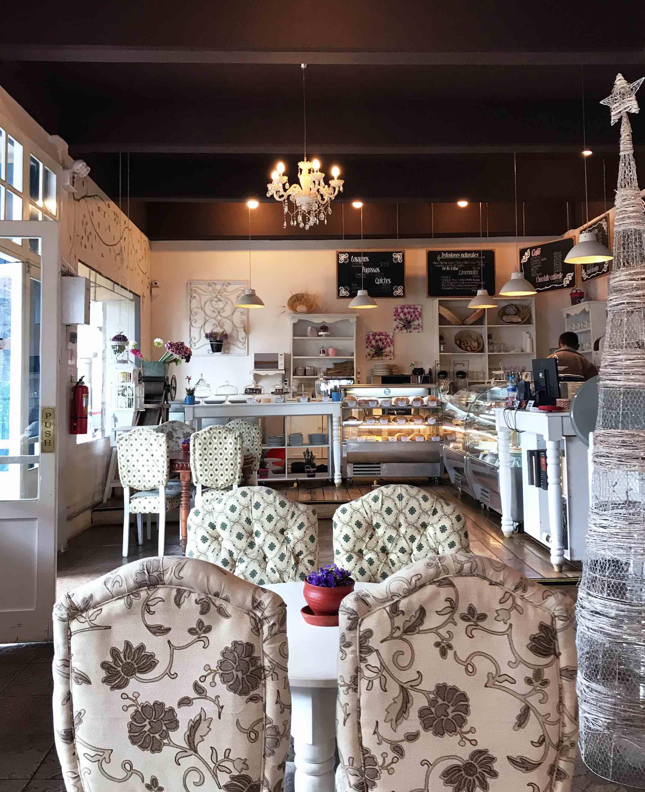 Shabby chic and cozy interior