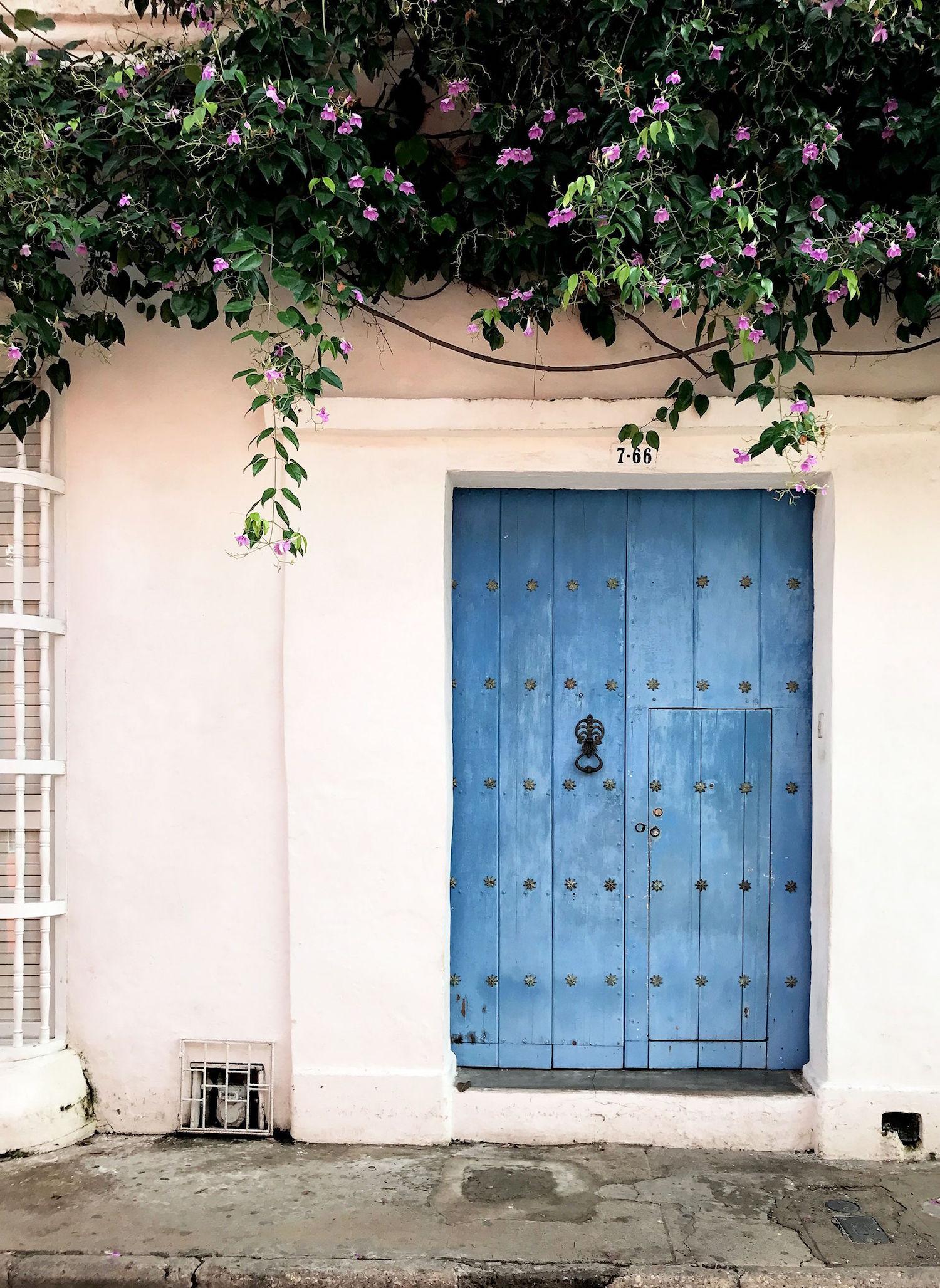 blue door and door knocker in Cartagena, Colombia | pictures of Cartagena, Colombia