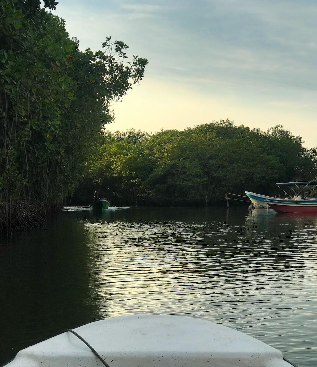 boat ride to isla grande colombia.jpg