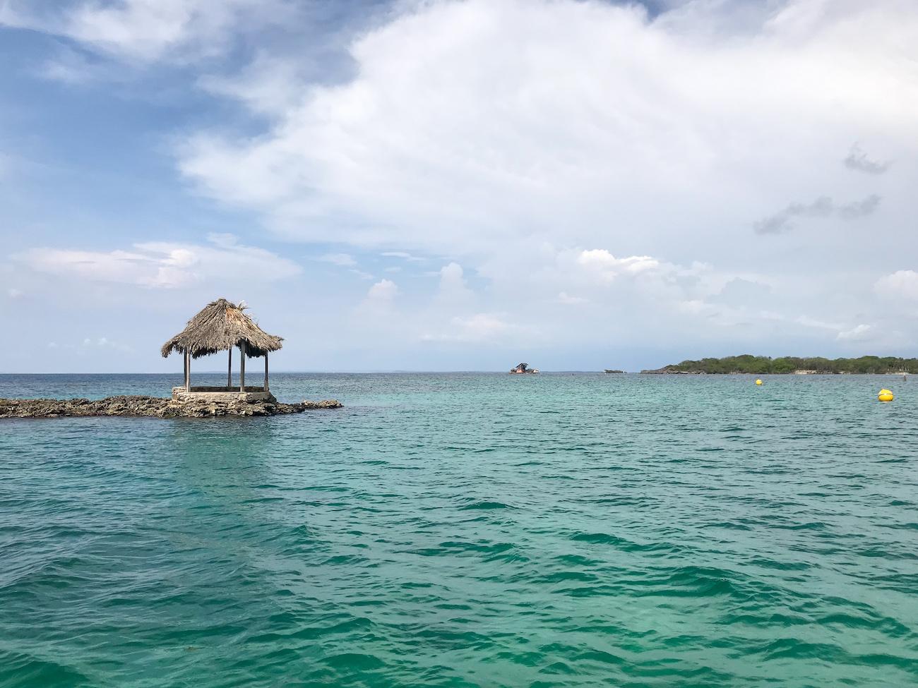caribbean ocean isla grande colombia