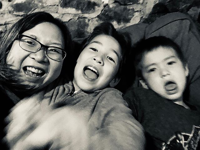 Happy new year! . #photosanity #resiliencethroughjoy #womensleadership #womensleadershipcoach #photographycoach #parenting #motherhood #momlife #workingmomlife #nineyearsold #sevenyearsold #brooklynlife #ilovenyc #ilovebrooklyn #ilovemylife #ilovemykids #capturethemoment #bepresent #gratitudedaily #loveisresistance
