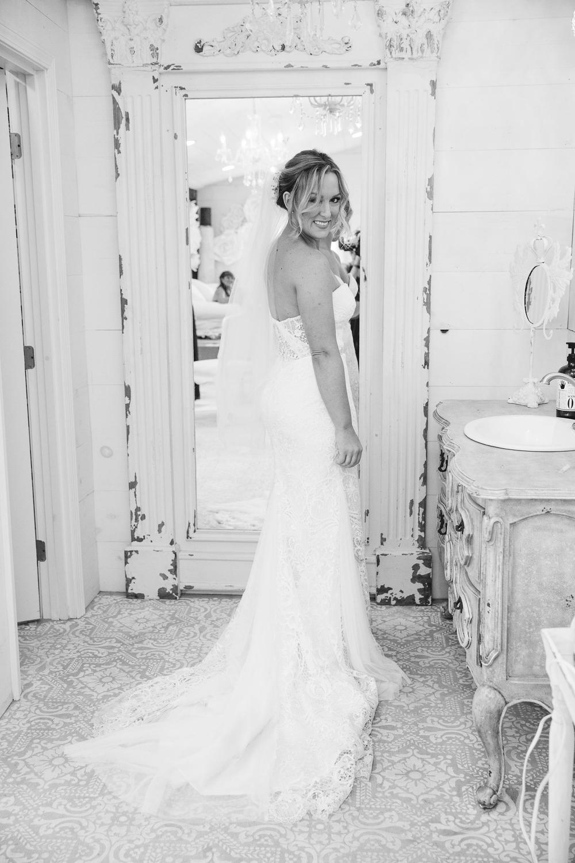 JesseandLex_190504_MissaCaleb_Wedding_BridePrep_143.jpg