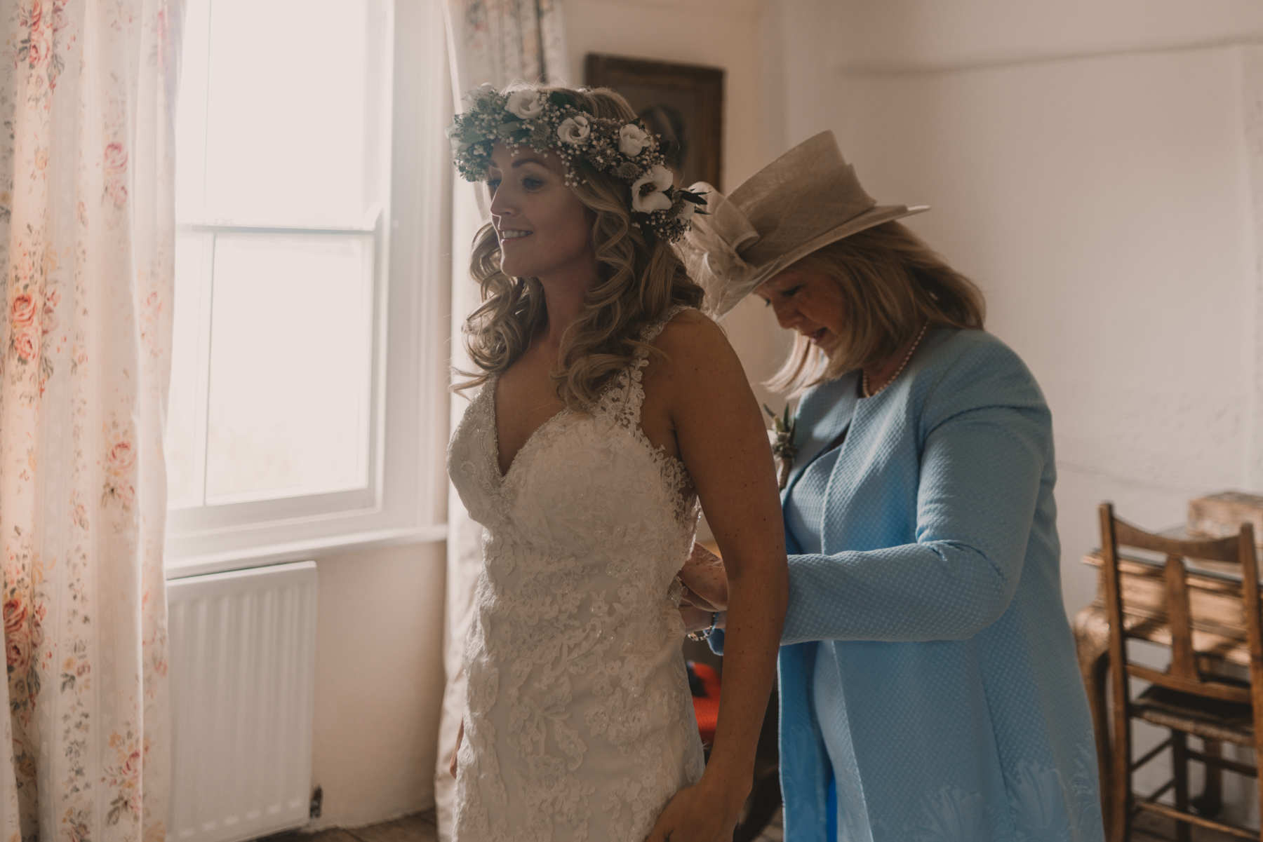 Herefordshire-barn-wedding-highlights-024.jpg