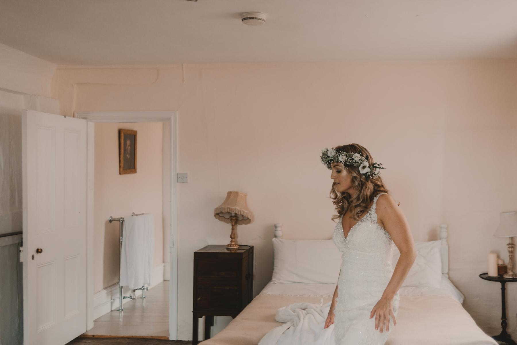 Herefordshire-barn-wedding-highlights-026.jpg