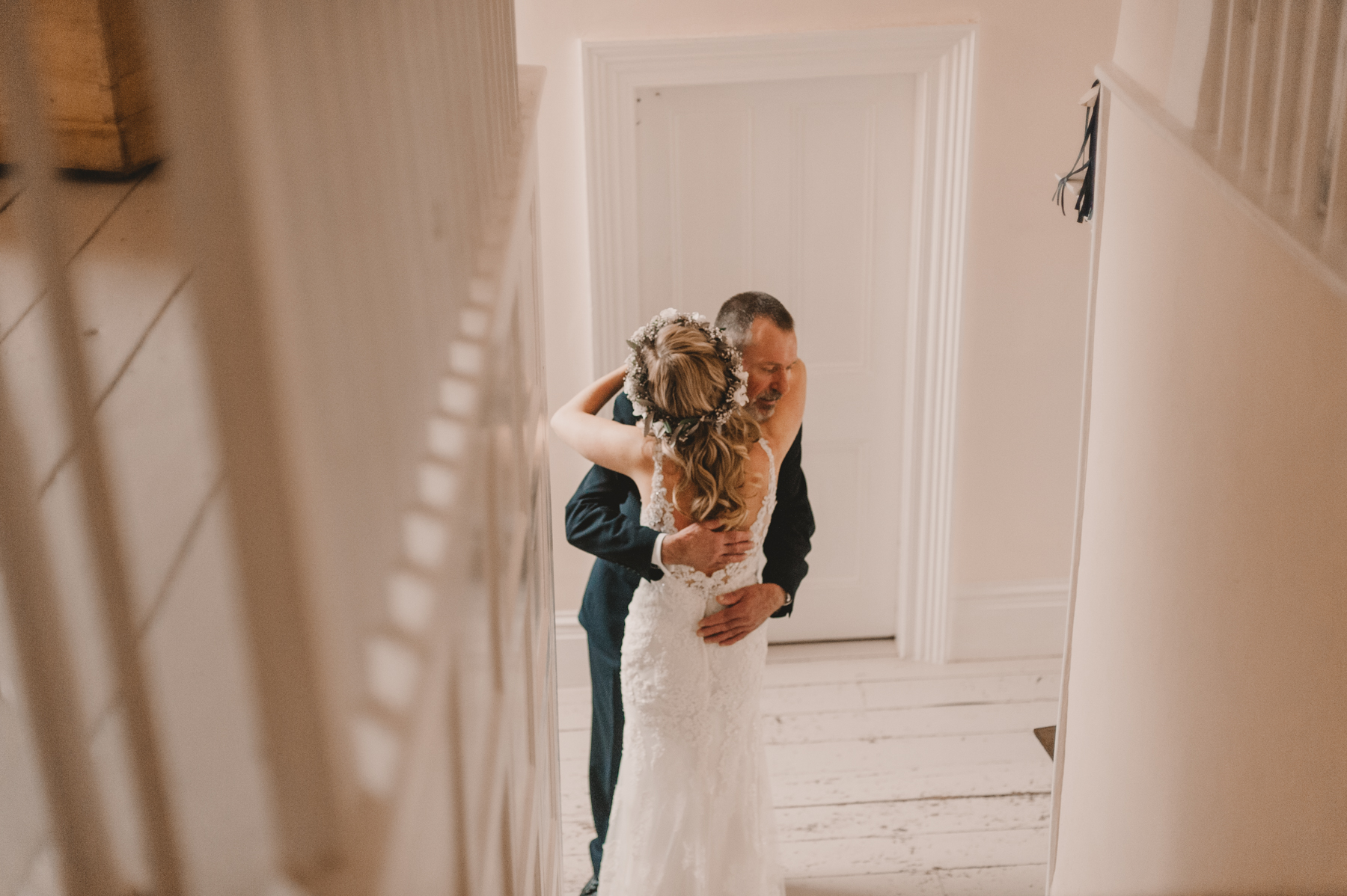 Herefordshire-barn-wedding-highlights-030.jpg