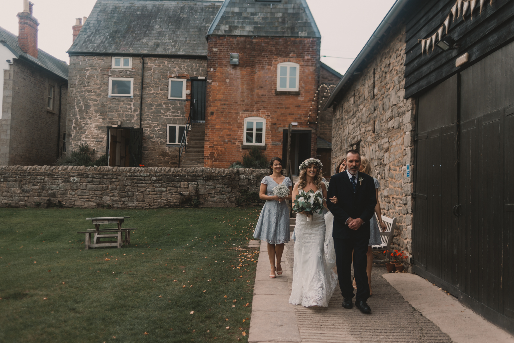 Herefordshire-barn-wedding-highlights-034.jpg