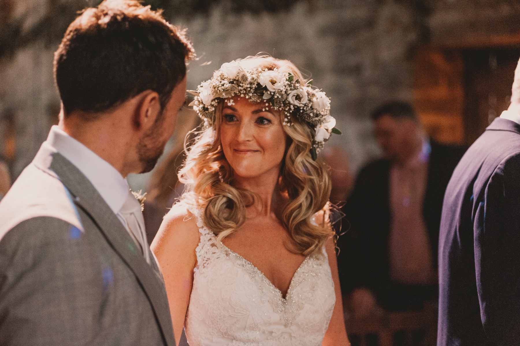 Herefordshire-barn-wedding-highlights-039.jpg