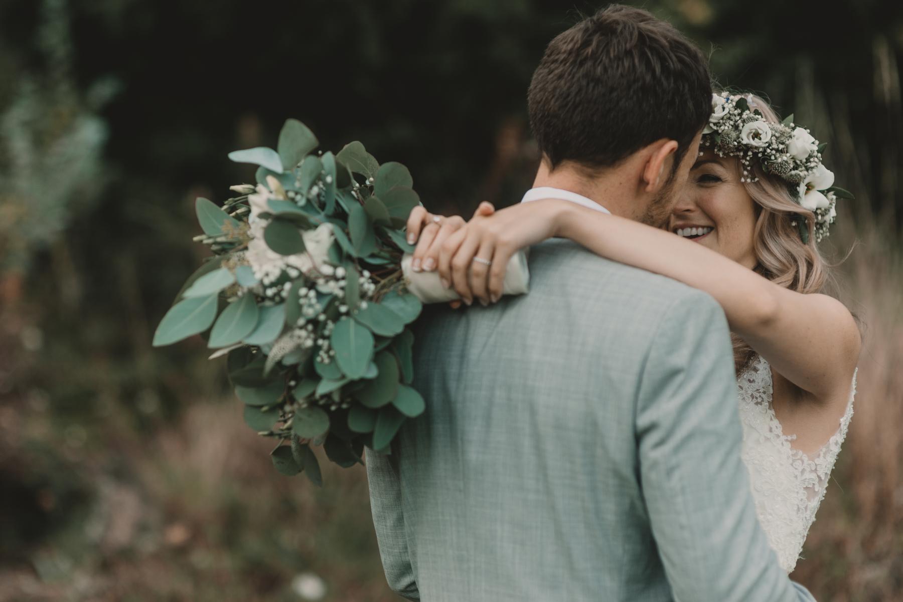 Herefordshire-barn-wedding-highlights-078.jpg