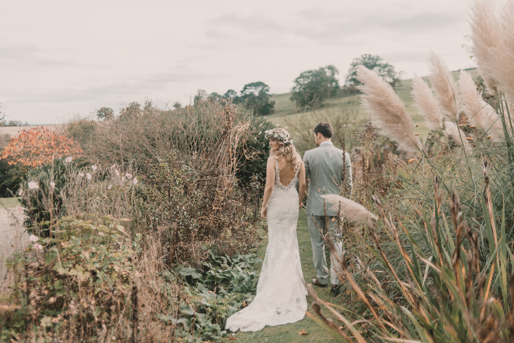 Herefordshire-barn-wedding-highlights-091.jpg