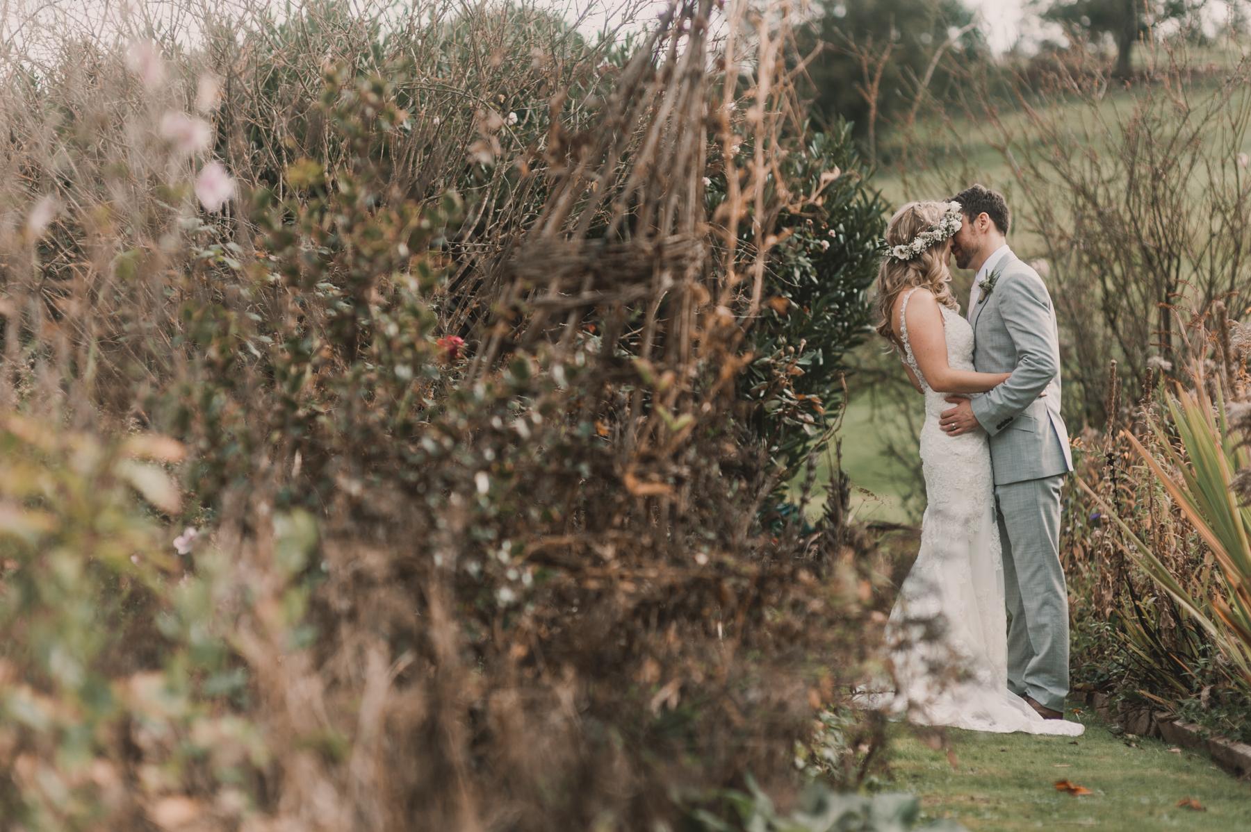 Herefordshire-barn-wedding-highlights-093.jpg