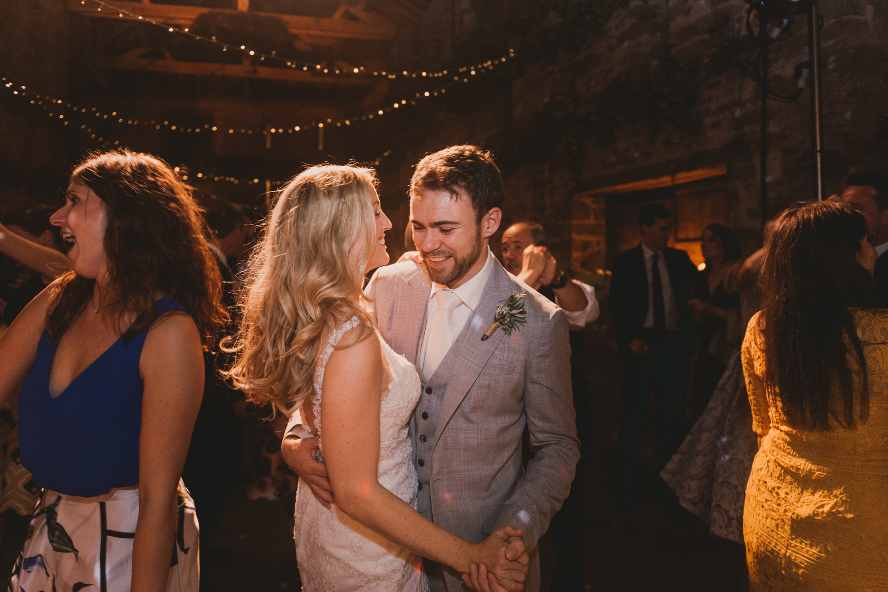 Herefordshire-barn-wedding-highlights-151.jpg