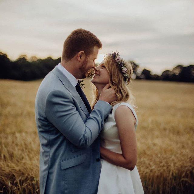 A gorgeous wedding at @dummerdownfarm a few weeks ago 😍 such a lovely couple, such a pretty, fun-filled day! . . . .  #weddingphotographer #weddingphotographers #engaged #howheasked #thedailywedding #loveauthentic #chasinglight #weddingseason #weddingchicks #loveintentionally #destinationwedding #stylemepretty #aisleperfect #creativeentrepreneur #thehappynow #gatheredstyle #sussexweddingphotographer #ohwowyes #wedinsussex #justengaged #weddinginspo #engagementphotographer #soloverly #weddingforward #huffpost #weddingplanning #wedinsussex #sussexweddingphotographers #photographyfarmer