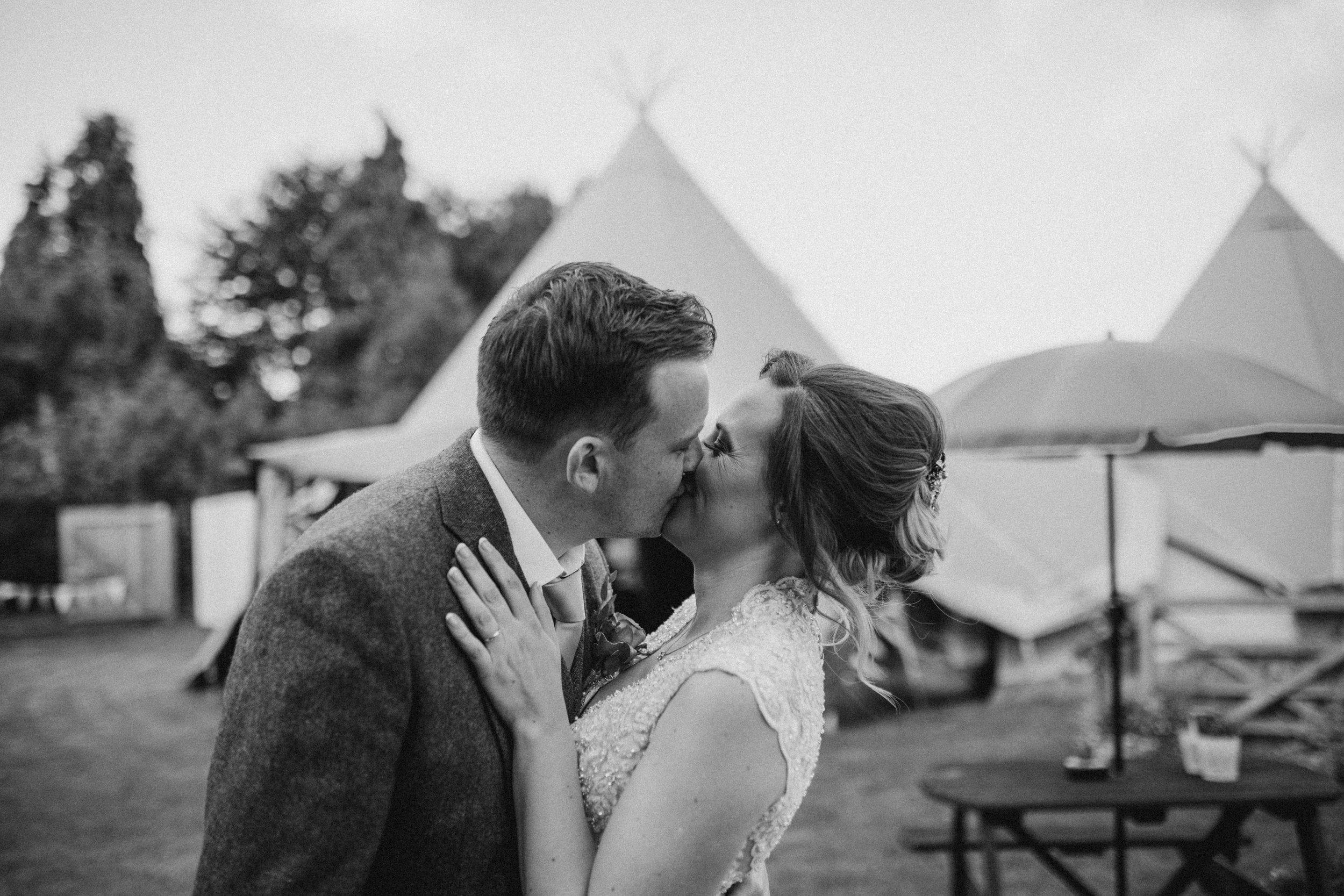 Wroxeter Hotel Wedding Photographer-3950.jpg