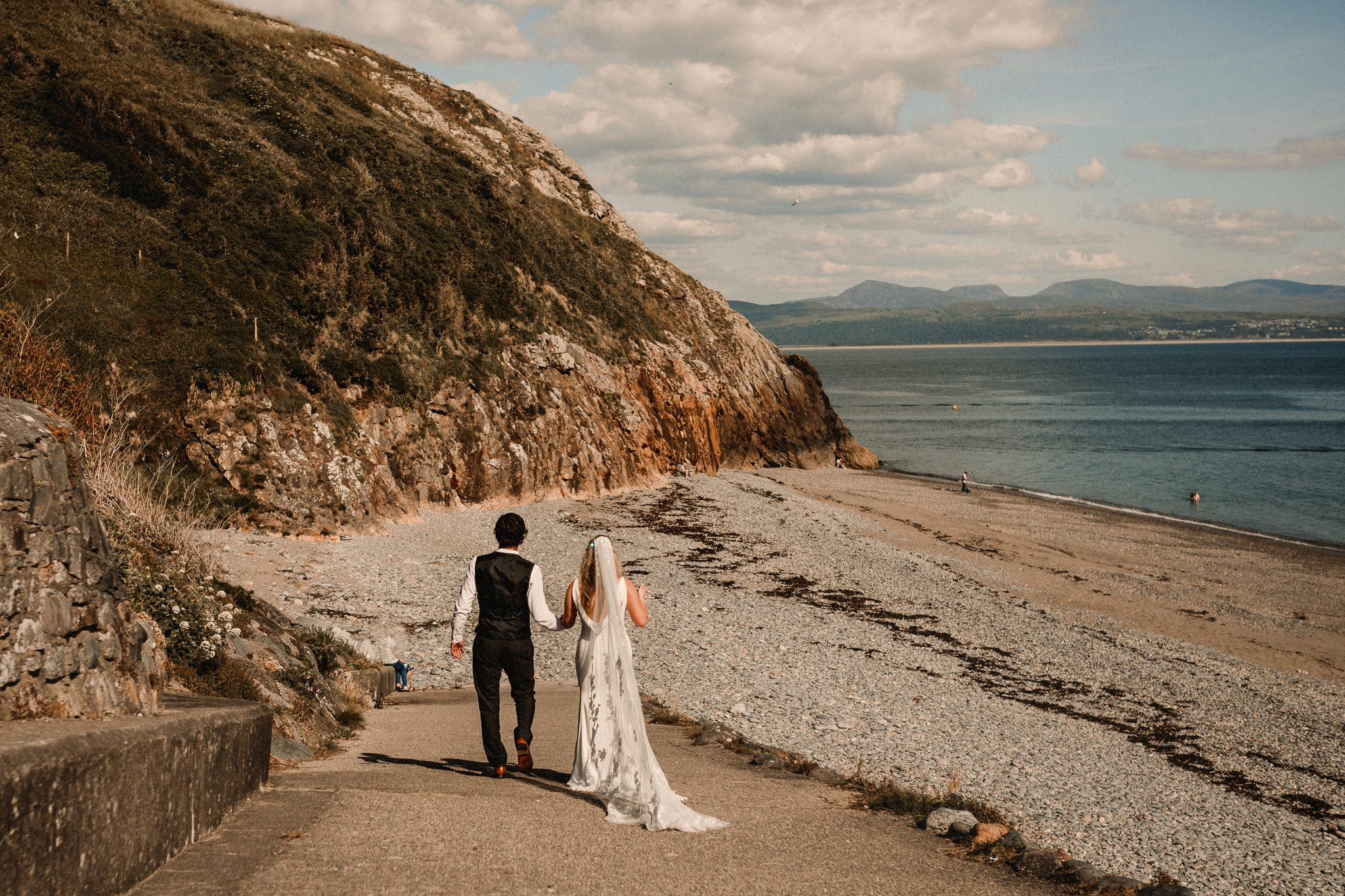 Criccieth Wedding  Photographer-0003blog.jpg