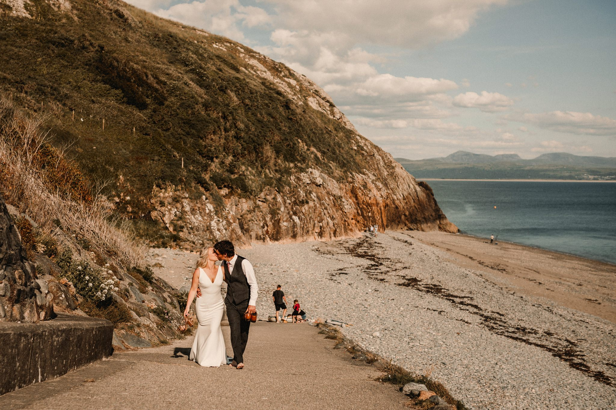 Criccieth Wedding  Photographer-0323blog.jpg