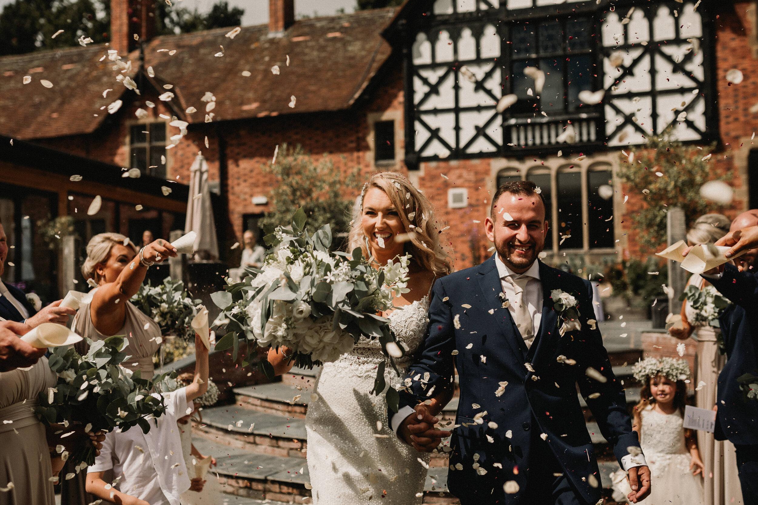Tyn Dwr Wedding Photographer -4099.jpg