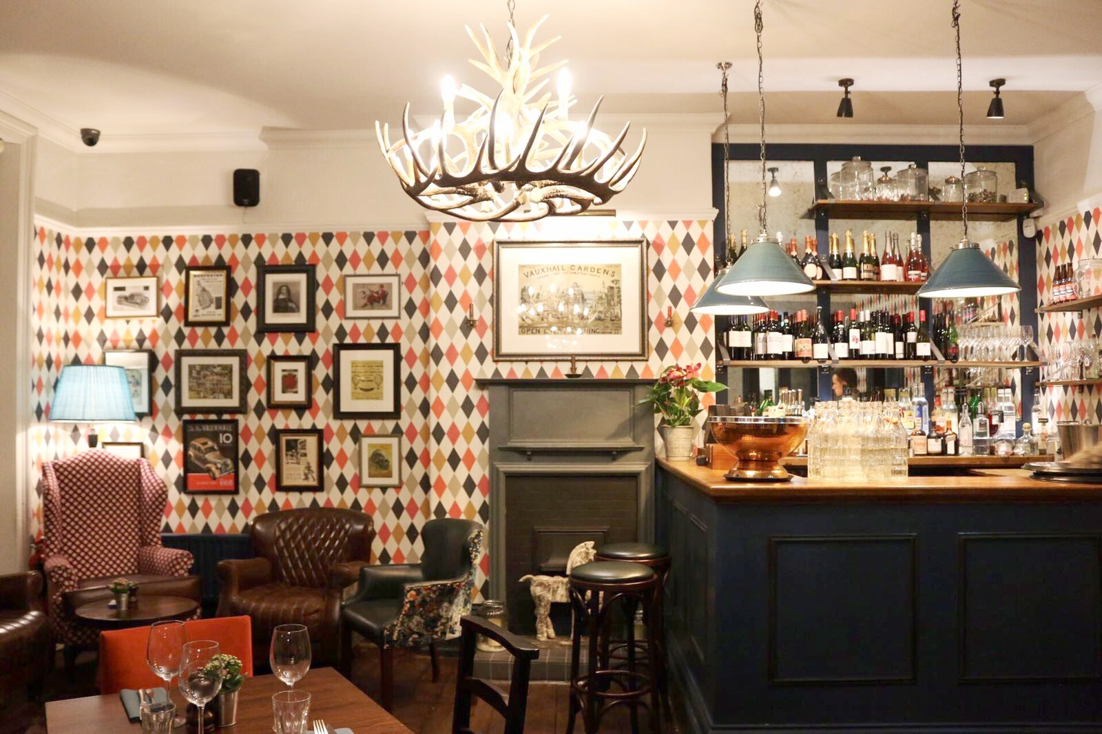 Dotty Dishes - The Fentiman Arms London