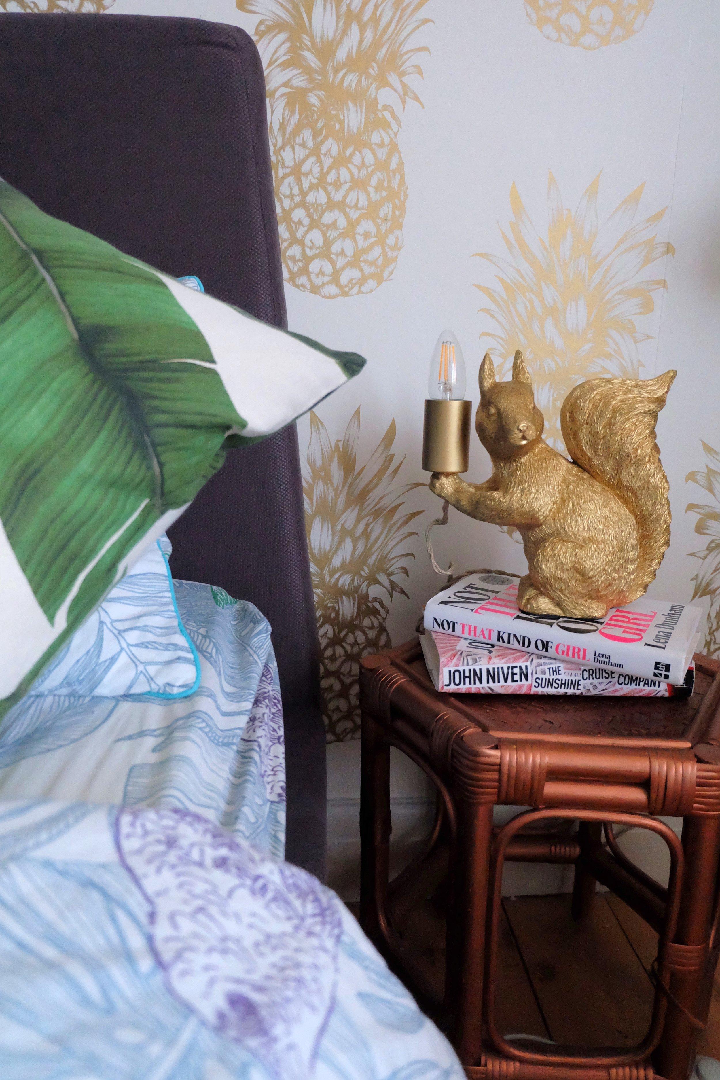 Next squirrel lamp