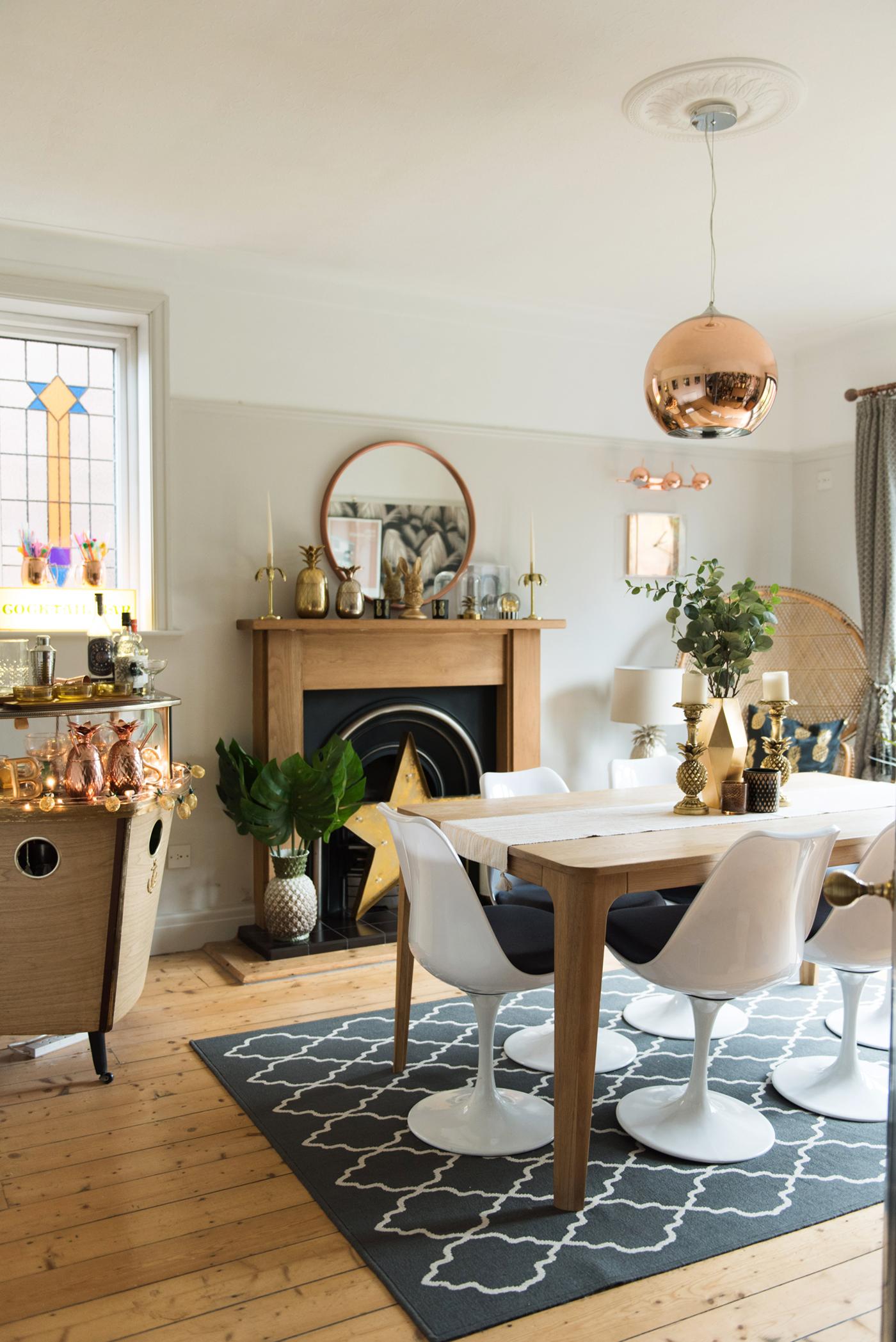 Light grey dining room
