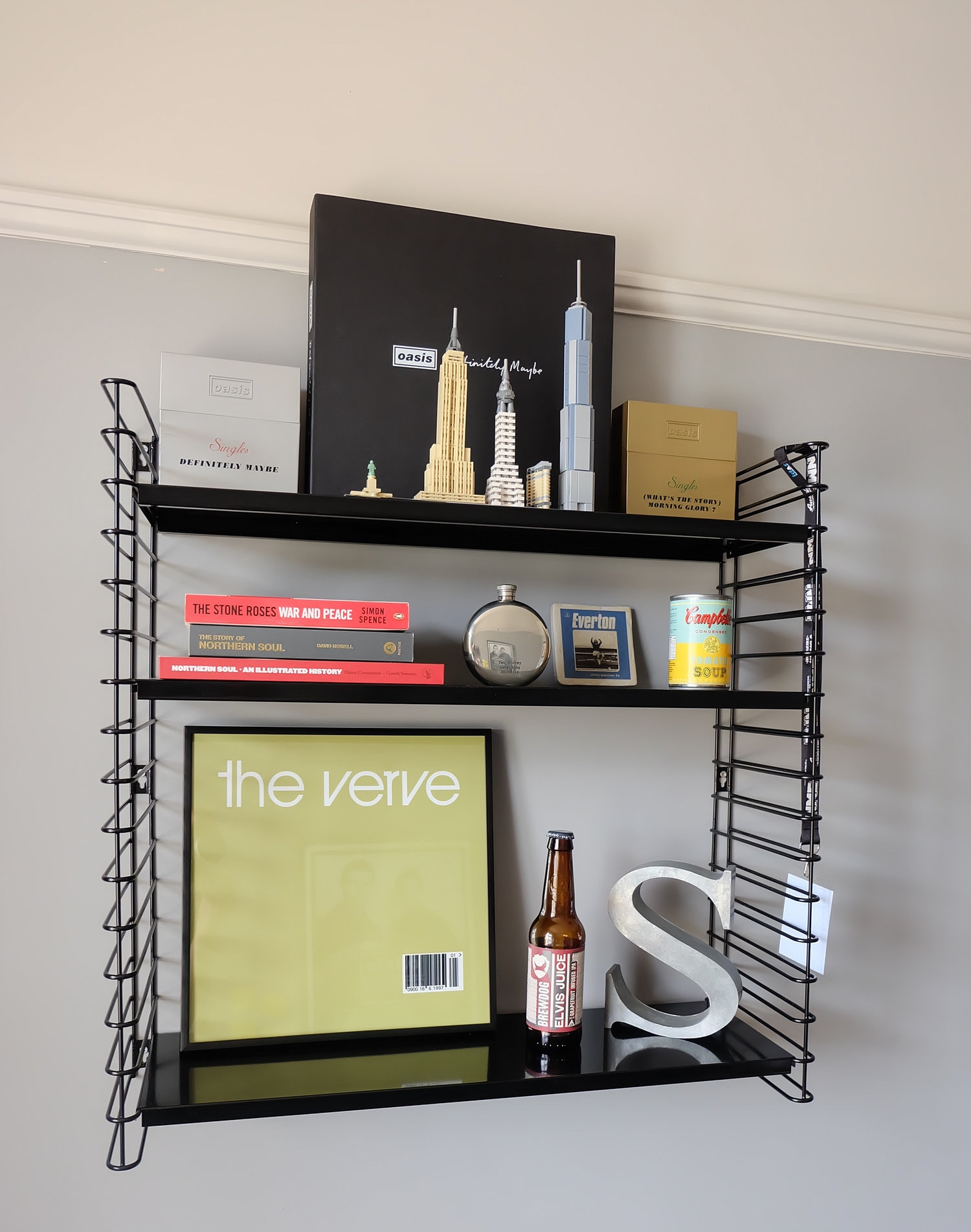 Retro style string shelves
