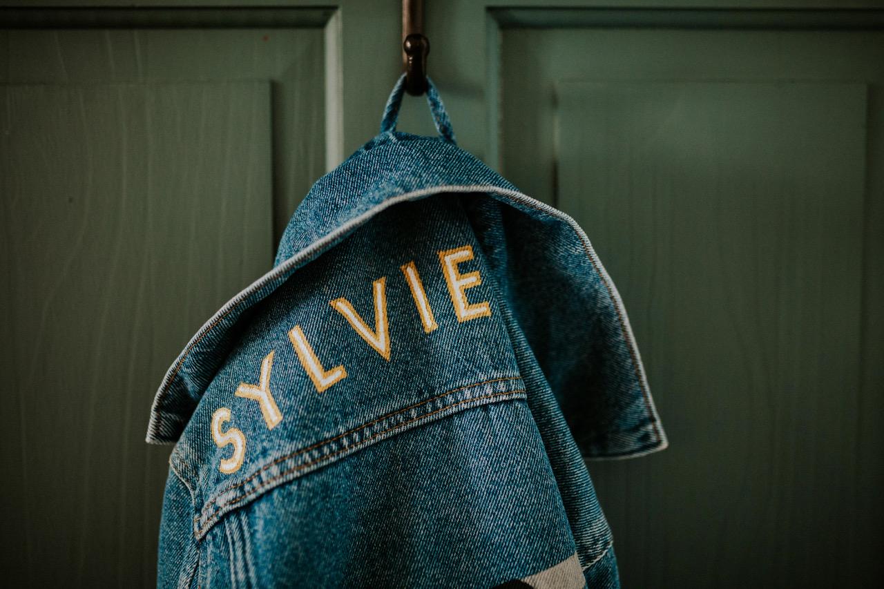 Sylvie Signs