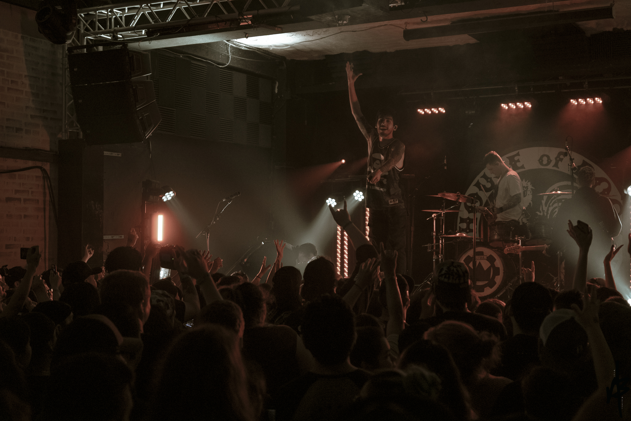 Crown The Empire Mar 2019-23.jpg