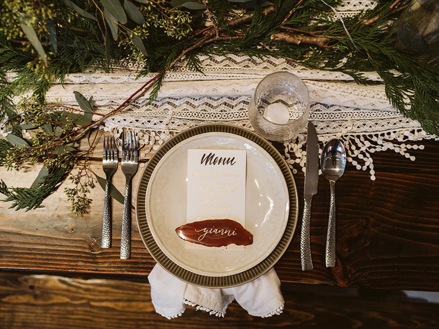 agate-place-card-menu-calligraphy.jpg