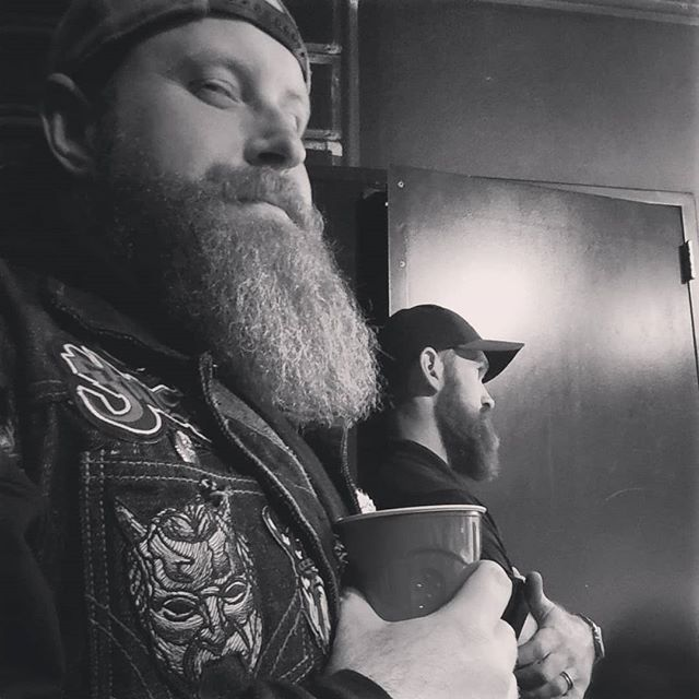 """Had a blast in Sioux City with @squirrelyfevere - we got to actually hang oit with the @marshalltuckerband and meet the beards of @copperchief 🤘 Truly a night we will never forget! Gotta say the Copper Chief boys killed ther set. Do yourself a favor and check them out.  Meeting those southern rock legends was incredible. Just to see them play woild have been enough but to hear """"Hey beard guy, Dob! Come on back!"""" - woah 😎  #siouxcity #hardrocksiouxcity #marshalltuckerband #southernrock #legends #copperchief #copperchiefband #beards #bigdobs #bigdobsbeardbalm #luckyguy"""