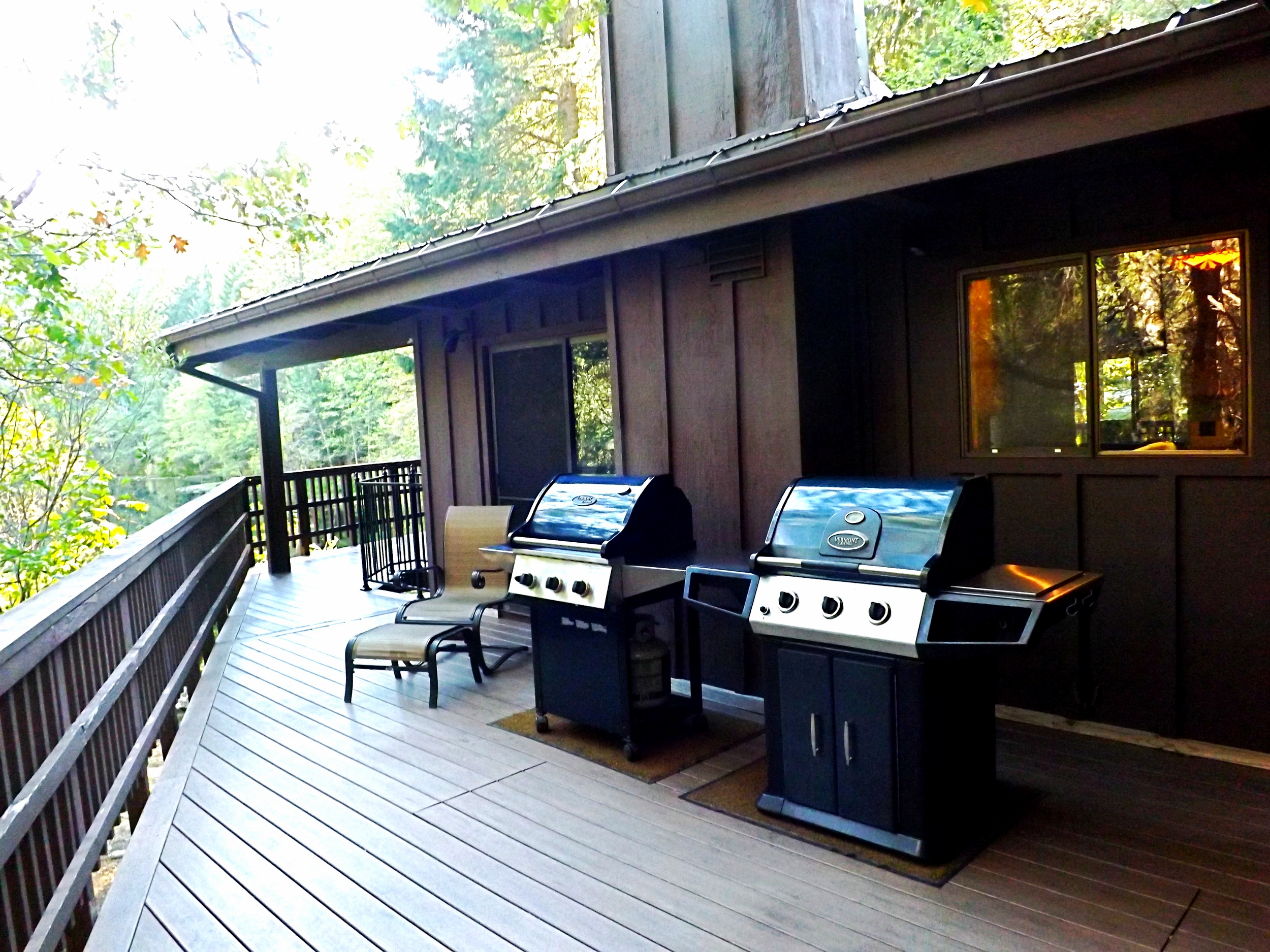 Upper Deck Barbecues