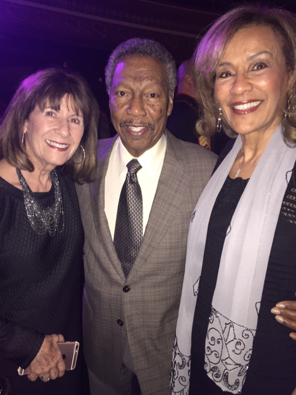 SANDRA D WITH  BILLY DAVIS JR . AND  MARILYN McCOO  OF THE INCREDIBLE  FIFTH DIMENSION.