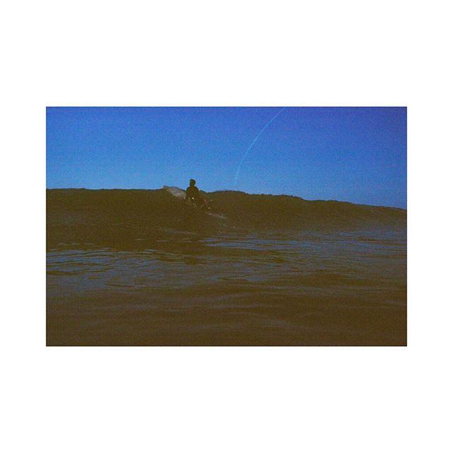 💦 Off we go 💦 Captured by @_hey_kk_ on colder days..
