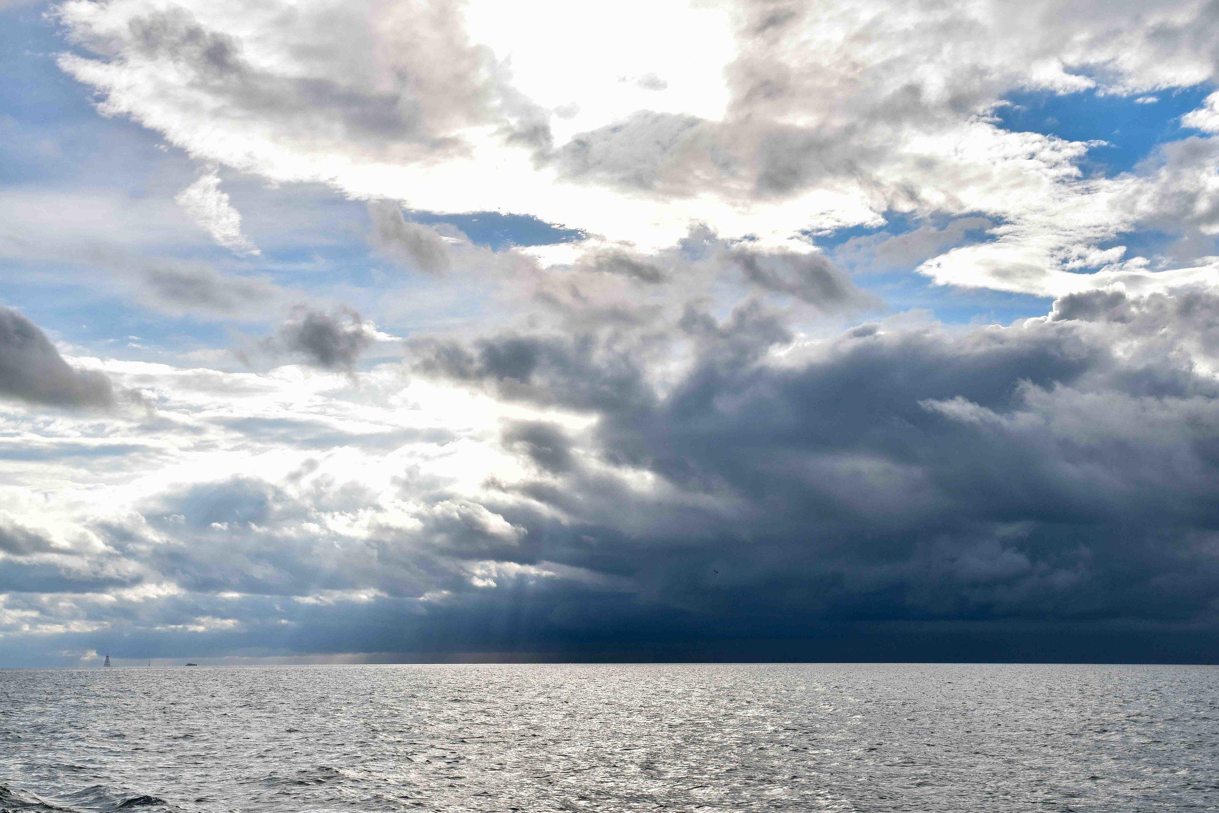 Incoming, Lake Ontario