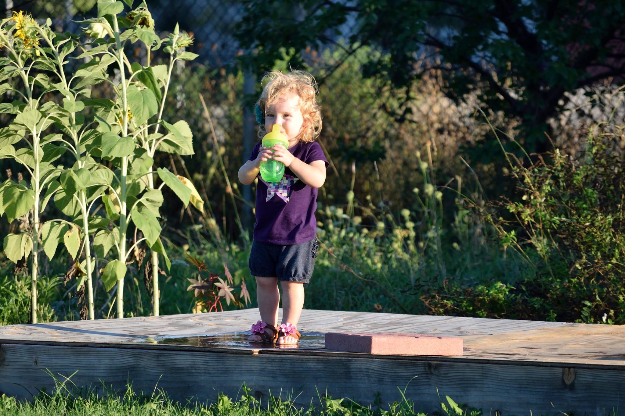 gardengirl.jpg