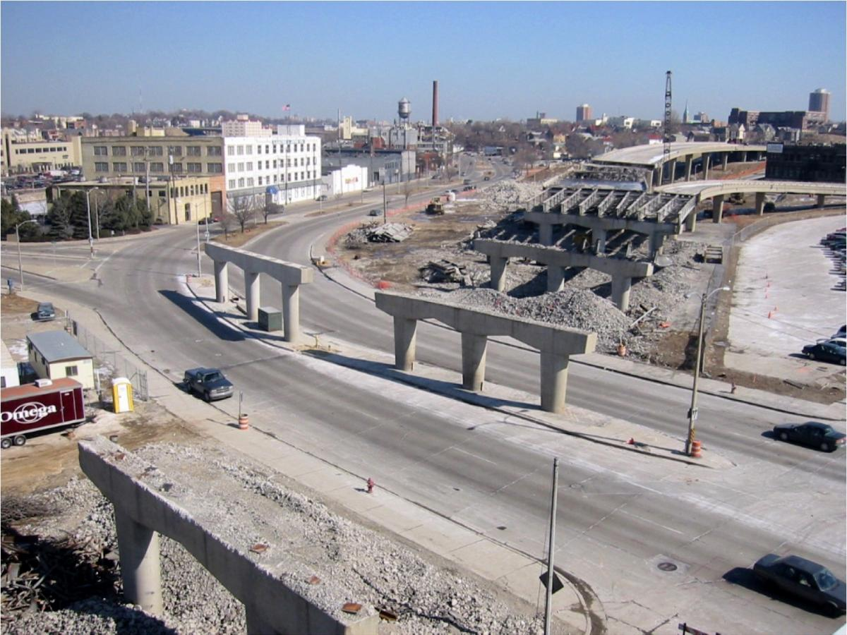 An image of the freeway following plans to stop construction