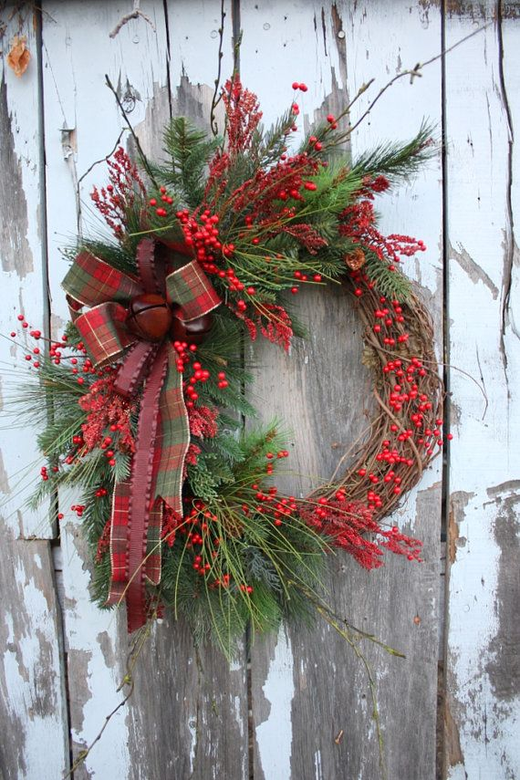 Wreath red rustic.jpg