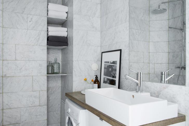 modern Scandinavian apartment: bathroom