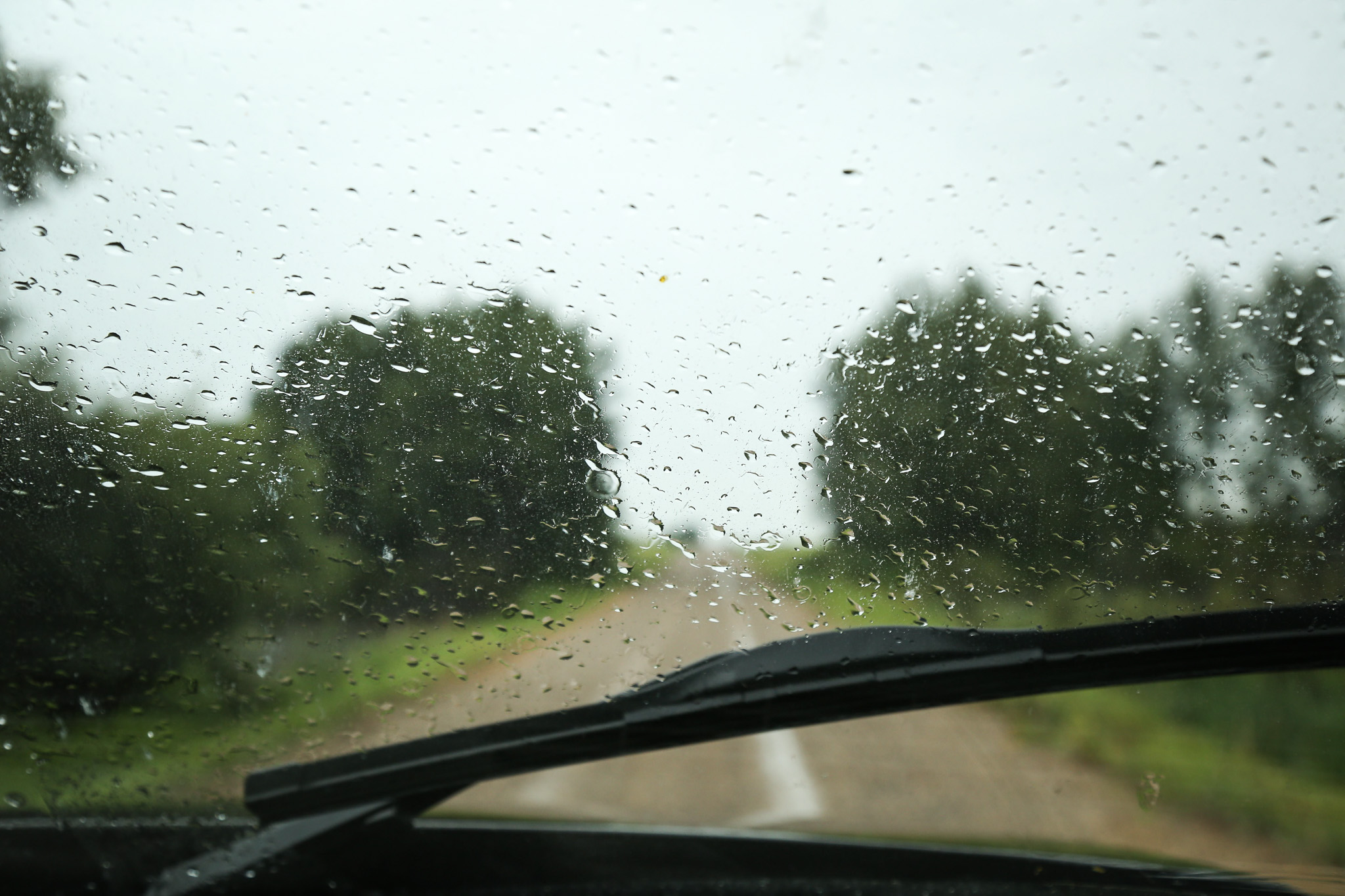 Rainy day abandoned farmhouse tour