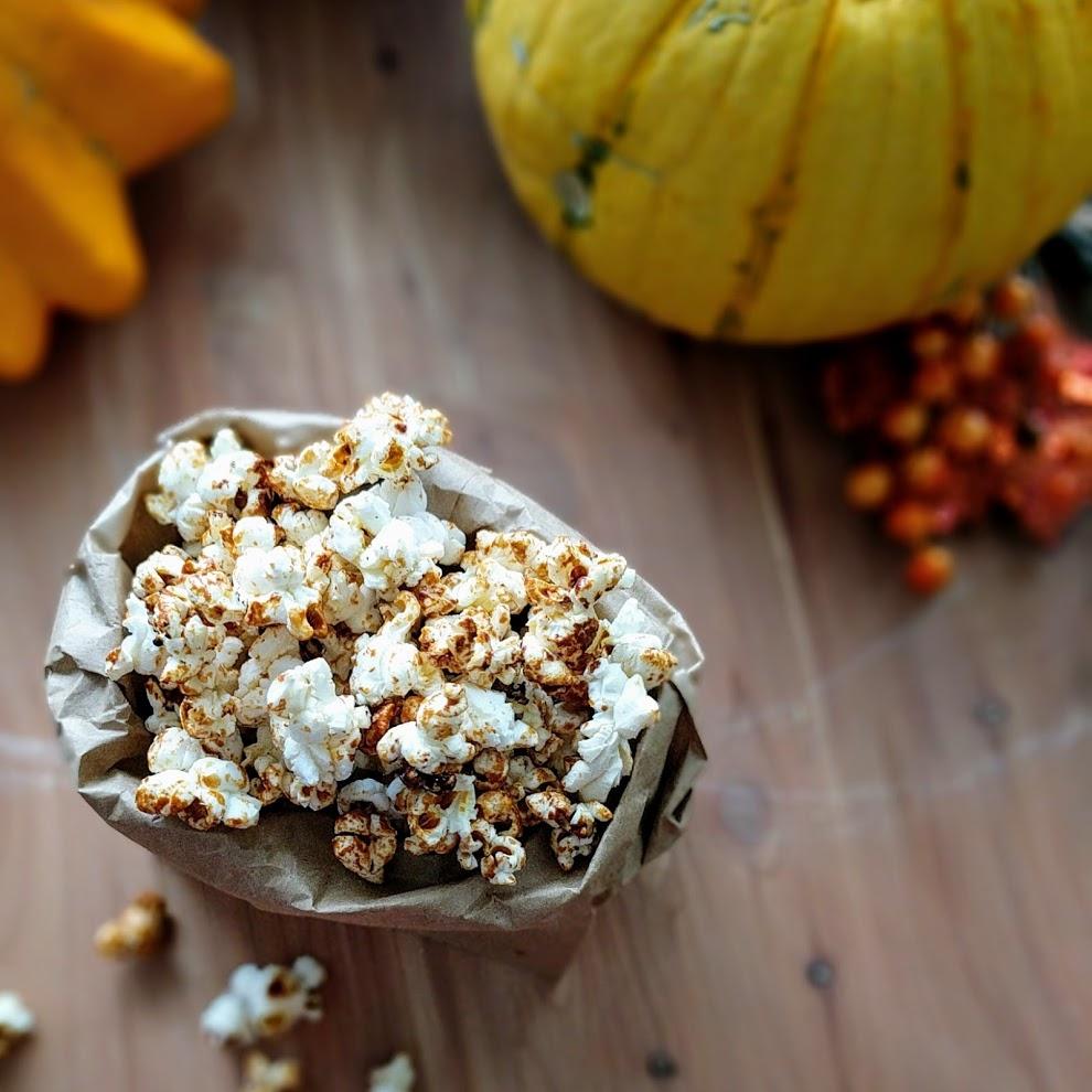 healthy pumpkin spice popcorn.jpg