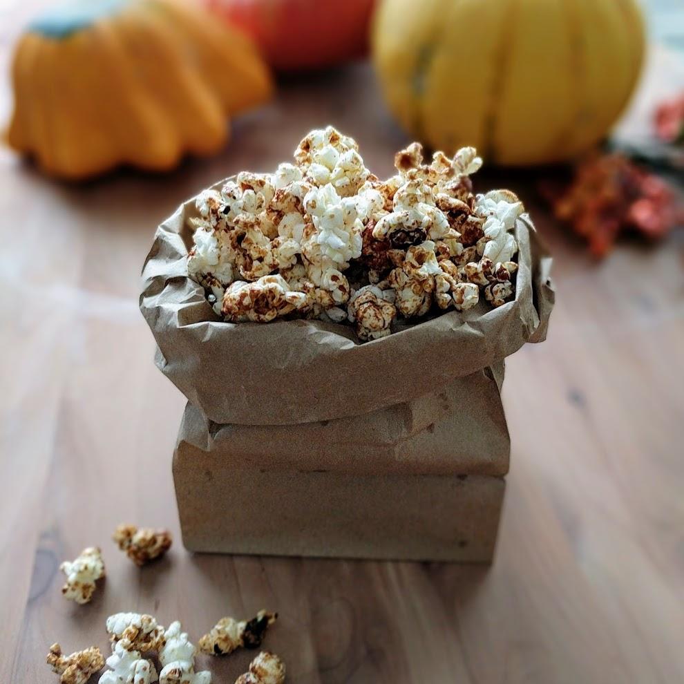 paleo pumpkin spice popcorn.jpg
