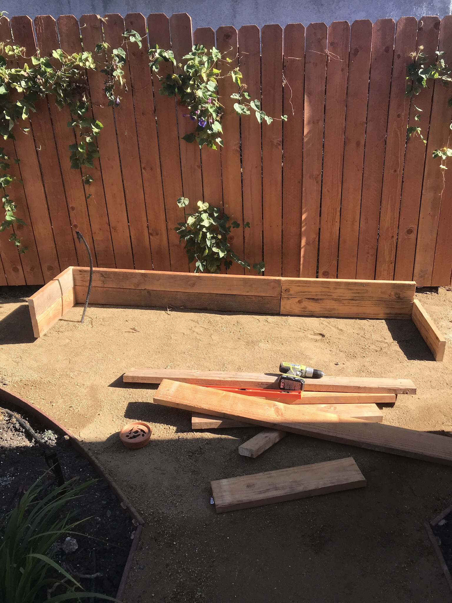 Starting your backyard farm - Nate will work directly with you to create an organic, drought tolerant and high yielding backyard urban farm..During the first visit, he will:-Assess the suitability of prospective garden site-Determine the best crops to cultivate taking into account sun exposure and grower skill level.-Discuss irrigation options.