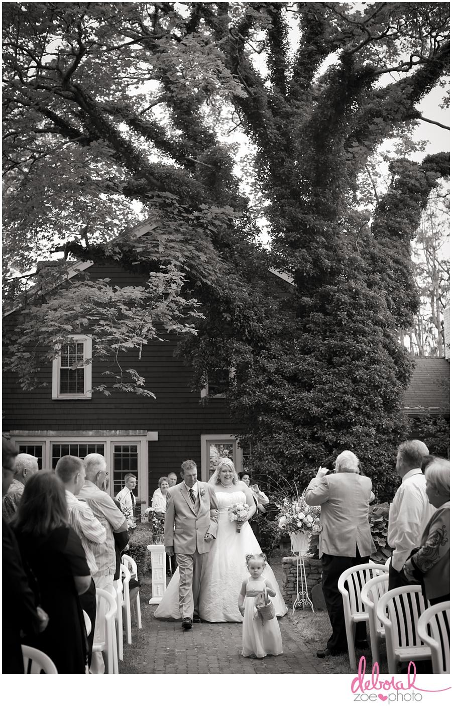 Cape Cod Wedding Massachusetts Wedding Photographer Summer Wedding Outdoor Ceremony Pink Wedding Details Ocean Themed Wedding Coonamessett Inn Wedding Deborah Zoe Photo018